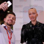 Por que empresários como Bill Gates defendem a cobrança de impostos sobre robôs