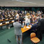 Foto: Integrantes da comissão apresentaram nove propostas alternativas ao texto do governo | Pablo Valadares/Câmara dos Deputados