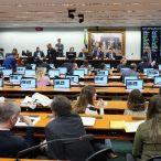 CCJ aprova proposta de reforma tributária, que agora segue para comissão especial